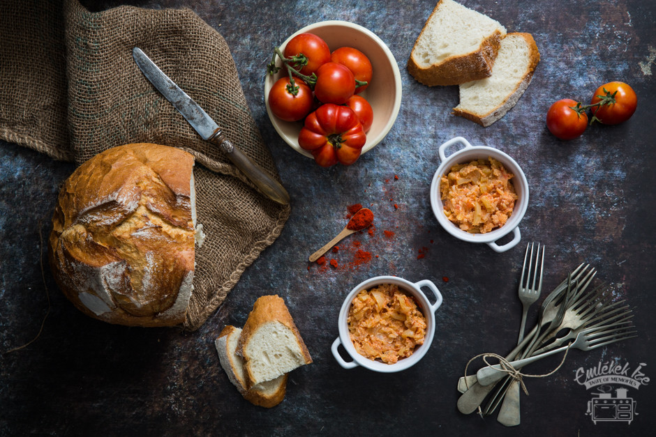 a sokat vitatott, viszont imádnivaló klasszikus, a lecsó receptje az Emlékek Íze konyhájából www.emlekekize.hu